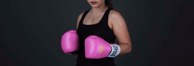 pink everlast punching gloves
